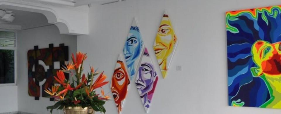 Galeria de arte Fuente hotelastra427 com 2